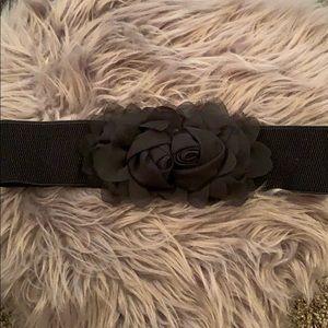 Elastic flower belt